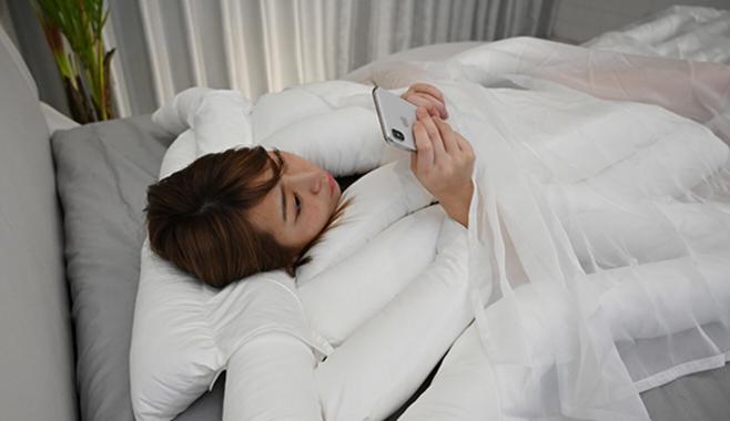 睡眠用うどん使い方⑤寝たままスマホモード