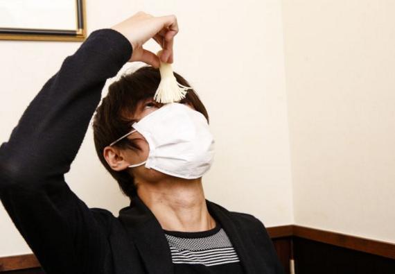 清野とおるがいつもマスクしている理由はトゥレット障害?