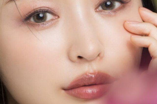 加治ひとみの唇は整形?昔の画像と比較
