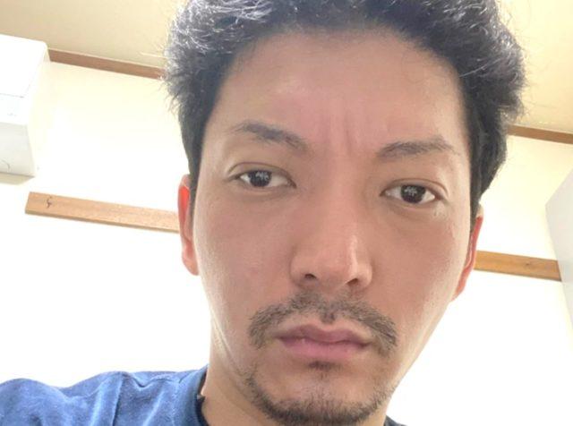 【画像】ニューヨーク嶋佐和也は目が斜視で離れ過ぎ!?目が好きという声も